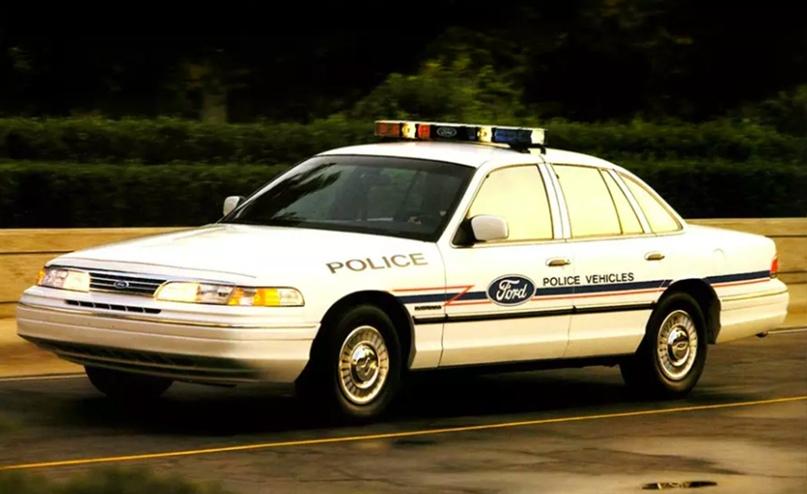 История полицейских авто Америки, изображение №12