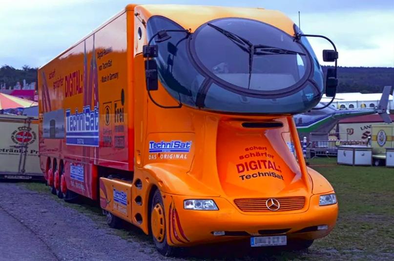 10 самых футуристичных грузовиков, изображение №7